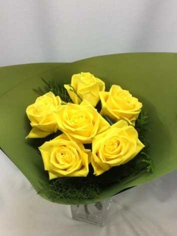 roses6yellow